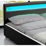 """Čalúnená posteľ ,,Sevilla"""" 140 x 200 cm - čierna"""